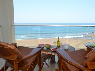 Luxury Ocean Front Condo, Jaco Beach
