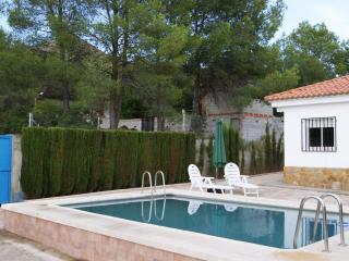 Amazing house with swimming pool close to Xativa, La Drova