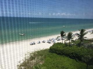 Beachfront Luxury Condo, Naples