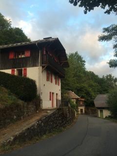 Chalet Oratoire - Newly Refurbished Farmhouse
