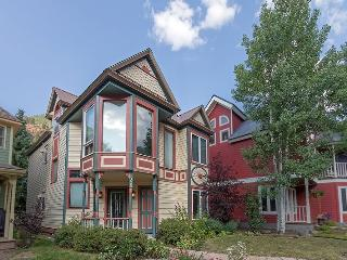 Bachman Village 26 - 4 Bd/ 3 Ba Telluride West End Home, Sleeps 10 - Located Downtown Telluride 1 block from Lift 7 and Clark`s Market