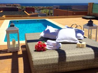 Villa Mamma Mia, overlooking to the sea...HEATED POOL & WIFI