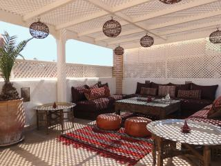 Luxury and cozy medina private riad with pool, Marrakech