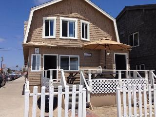 Surf Cottage (Lower) ~ RA75591, Newport Beach