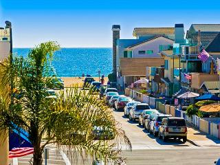 15% OFF NOV 1-22- Ocean View, Steps to Beach, Restaurants and Bay!, Newport Beach