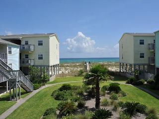 One-br Villas on the Gulf w/nice views of the Gulf! Steps from beach., Pensacola Beach
