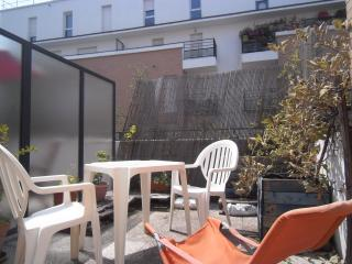 2 rooms, shared house, 900m Paris