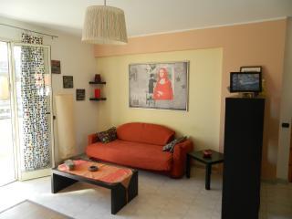 Appartamento in villa di 3 vani vicino al mare, Fondachello
