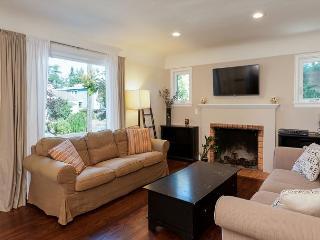 3BR Ballard House, Close to Zoo, Green Lake & Market, Sleeps 6, Seattle