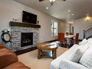 5BR Mountain Luxury in Park City – Sleeps 9, Kamas