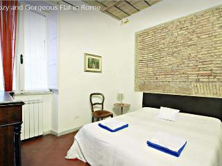 Wide 3 Bedrooms, 2 bathrooms Apartment in the center of Rome - WiFi - A/C