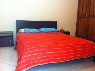 2 bed/2 bath Loft - Walk to Metro w/Weekly Maid, Medellín