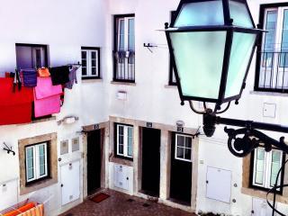 Lapa charming small pateo house, Lisboa