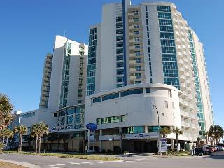 3 bedroom, 3 bathroom oceanfront condo, great resort, North Myrtle Beach