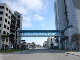 1st floor uniySpacious 4 bedroom, 3 bathroom, direct oceanfront condo, North Myrtle Beach