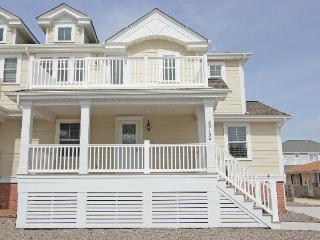8215 Second Avenue, Stone Harbor