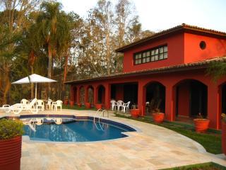 Linda Casa Vista Cinema Represa Piscina 40 min SP, Santa Isabel