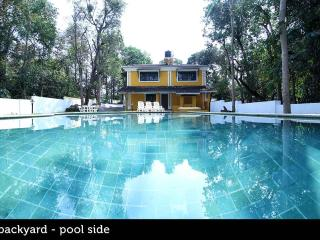 The Beautiful Island Pool Villa