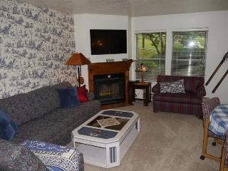 Beautiful 2 bedroom condo, sleeps 6, Eden