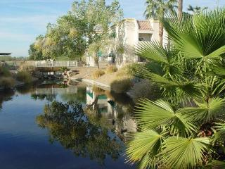 SPRING TRAINING BEST LOCATION, 1 BED + DEN, OR 2 BED,GOLF,STADIUMS, HEATED POOL, Surprise