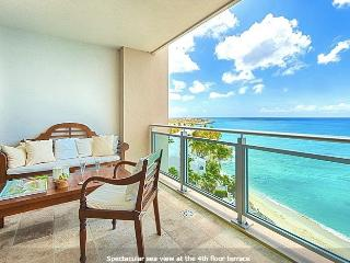 Luxury 2 bedrooms condo on the beach, Cupecoy Bay