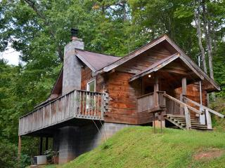 Honeymoon Hideaway is located Gatlinburg Tn, Pigeon Forge