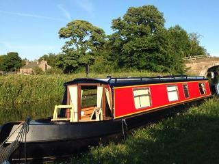 Ducklings Narrowboat Hire