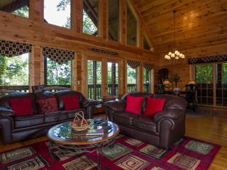 Among The Hemlocks . Pigeon Forge Tn,Game Room,Pool, Wifi, Hot Tub,Jacuzzi,
