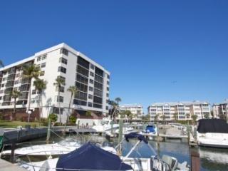 Harbor Towers Yacht & Racquet Club, Unit 203 (2 Week Minimum Stay) Siesta Key Boaters Getaway, Sarasota