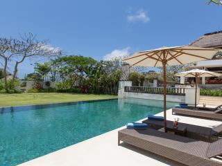 Tranquil Hidden Villa