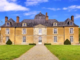 Chateau De Choisel