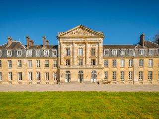 Chateau De Court, Fay