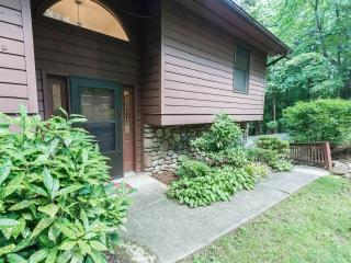 Easy Access To Downtown Asheville, Hiking from House!