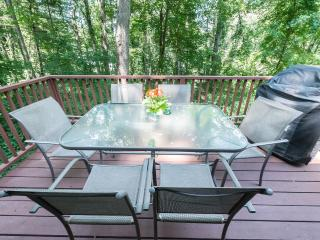 Sparkling Clean, Easy Access to Downtown, Hiking from House!