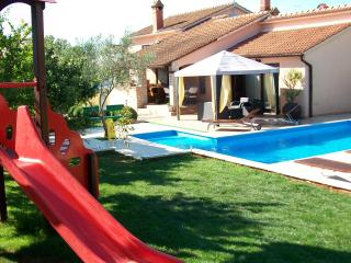 Apartmani Mirna 4* new pool
