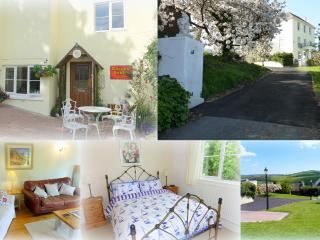 Isle of Wight Cottage + Sea and Countryside Views, Brading
