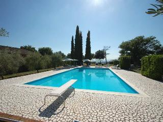 Detached villa with private pool villages at 1-2km, Otricoli