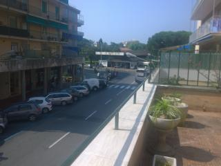 ROME BOULEVARD CENTRAL 3 BEDROOMS & BIG BALCONY, Sestri Levante