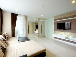 Luxury City Centre Condo 3 Bedroom, Pattaya