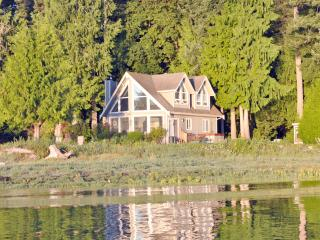 Pearl Point Beach House, Courtenay