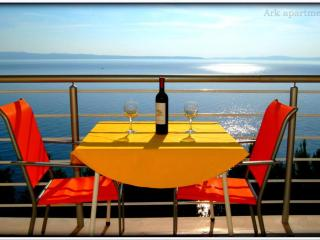 Ark 4* panoramic sea view suite 2/3, Stork