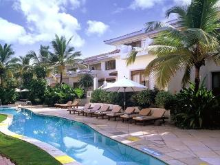 2 BHK with breakfast in 5 Star Resort, South Goa!, Cavelossim