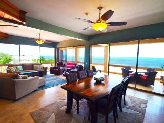 Premier Penthouse Luxury Oceanfront Unit, San Pedro
