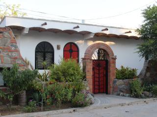 DEC/JAN OPENINGS. BIRDERS PARADISE IN THE TROPICS, San Pancho