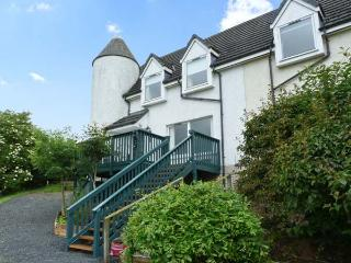 16 LARKHALL COTTAGES, pet-friendly, country holiday cottage, with a garden in Je