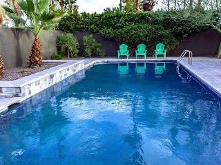 Paradise Palm~SPECIAL - TAKE 15% OFF ANY 5NT STAY THRU 2/12, Palm Springs