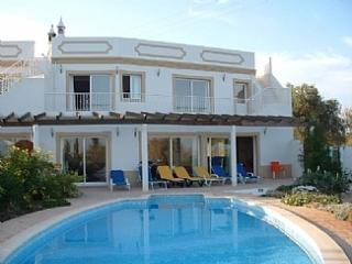 Holiday Villa With Private Pool and Sea Views!