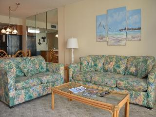LITTLE COZY 1 BEDROOM CONDO RIGHT ON THE BEACH, Garden City Beach