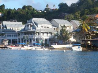 Marigot Bay Marina Village Split-Level Apt, Baie de Marigot
