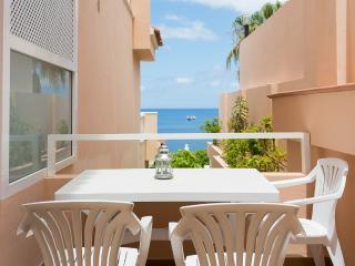 BRIGHT SECLUDED HOLIDAY APARTMENT, Los Gigantes